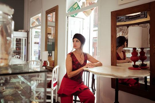 Traje pantalón rojo Elena de Frutos